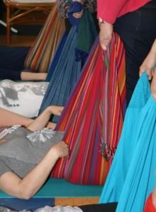 Liggande massage för att slappna av i höfterna